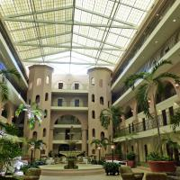 The sprawling atrium of the Embassy Suites.