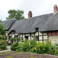 We took an interesting tour of the Anne Hathaway Cottage.