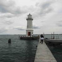 Grosse Ile Lighthouse and walkway