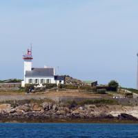 With the fog gone, we got a good view of the Ile Warc'h Lighthouse with Ile Vierge in the background.