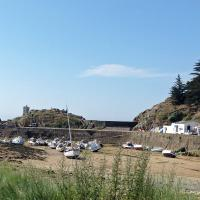 A stop at the Port de la Meule provided evidence of the extreme tidal ranges along the Brittany Coast