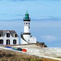 The only other lighthouse on Ile de Sein was the Men-Brial Lighthouse.