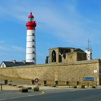 Another wonderful light station - St Mathieu, its auxiliary light and semaphore.