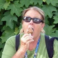Wanda found ice cream at the bakery.